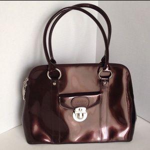 👝 Gorgeous shiny brown medium-sized handbag. 👜